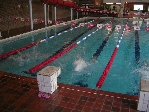 Alerte au gaz la piscine aqua 2000 vacu e mumu for Piscine 2000